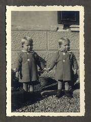 i gemelli a Vicenza - 18 novembre 1936 (dindolina) Tags: italy italia veneto vicenza family famiglia vignato gemelli twins history storia vintage 1936 1930s annitrenta thirties