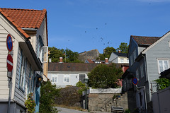 På vei mot Fredriksten (KOKONIS) Tags: hus nikon d600 scandinavia skandinavia europe europa halden architecture wooden østfold norge norway
