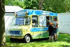 1973 Bedford CF Ice Cream Truck (Dirk A.) Tags: gcr758l 1973 bedford cf ice cream truck