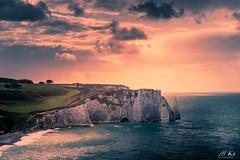 Etretat_0917-25-2 (Mich.Ka) Tags: etretat normandie borddemer ciel cloud coucherdesoleil côtedalbâtre côtenormande falaise landscape mer nuage paysage sea seaside seascape seinemaritime sunset