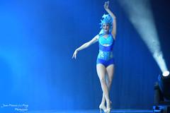 EUP_5670 copie (jeanfrancoislaforge) Tags: euphoria nikon d850 stage bleu blue dance dancer reflection performer costume