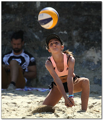 Volley Playa - 044 (Jose Juan Gurrutxaga) Tags: file:md5sum=fb6a30d874b71ebaccffe88211ec652d file:sha1sig=9ec842d3969821e19a87863a74ac26112494f634 volley playa beach hondartza boleibol voleibol semana grande zurriola donostia