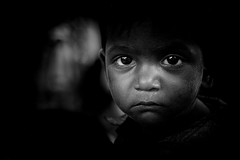 Nandapur (Ma Poupoule) Tags: porträt portrait orisha orissa aborigènes adivasis inde india children enfant noirblanc nb night nuit noir blackwhite biancoenero bianconero bw asie asia indian eyes yeux regard