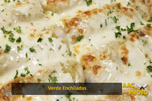 "Verde Enchiladas • <a style=""font-size:0.8em;"" href=""http://www.flickr.com/photos/159796538@N03/41980772180/"" target=""_blank"">View on Flickr</a>"