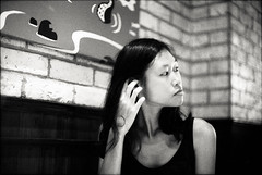 Ling H. (Ok*) Tags: canon old f1 50mm fd f12l kodak tmax 400 push 2 step friends taihang chillandchat analogue filmisnotdead itisjustsmellyd