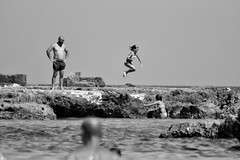 Il salto (marcus.greco) Tags: blackandwhite portrait sea rock