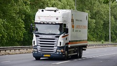 BR-GS-08 (panmanstan) Tags: scania r420 wagon truck lorry commercial rigid dutch international freight transport haulage vehicle a63 everthorpe yorkshire
