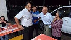Cena con el padre Olger, los padres de David y gente de la parroquia, Salinas
