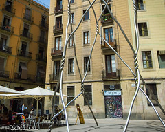 (by claudine) Tags: light16 light l16 capturedbylight barcelona spain summer architecture buidling abstract art twisted metal iron bar blue sky touristy flickrchallengegroup