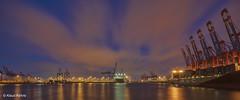Hamburger Hafen - 12071801 (Klaus Kehrls) Tags: hamburg hamburgerhafen panorama nachtaufnahme schiffe kräne wolkenspiegelung