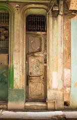 Doors Of Havana No. 2 (TablinumCarlson) Tags: amerika america karibik caribbean sea gulf atlantic ocean cuba republic antilles havanna havana habana leica kuba leicam m240 summicron 28mm tür door entry 356 old alt