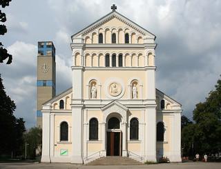 Kaisermühlen Parish Church