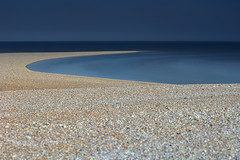 Sweeper (immaculate-photons) Tags: summer sky sea blue shingle coastline water stones heat ndfilter formatthitech nikon d7100 hampshire immaculatephotons mgwalker flickr abstract colour lines tide