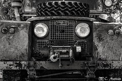 180710-12 Land Rover (clamato39) Tags: car old vieux pickup noiretblanc blackandwhite bw provincedequébec québec canada monochrome outside
