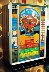 1970s slot machine (mkk707) Tags: film analog wwwmeinfilmlabde leicar7 leicasummiluxr50mm2ndmodel11776 kodakportra800 35mmfilm itsaleica vintagelens vintagefilmcamera germancameras germany