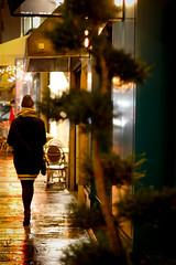 La nuit, les parisiennes (Calinore) Tags: france paris city ville street rue woman femme parisienne parisian nuit night
