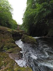 F7133870 F7133871 E-M5ii 10mm iso100 f8 1_10s (Mel Stephens) Tags: rocks of solitude glen angus uk scotland aberdeenshire 20180713 201807 2018 q3 3x4 tall olympus mzuiko mft microfourthirds m43 714mm pro omd em5ii ii mirrorless water structure abandoned derelict ruin bridge footbridge river north esk