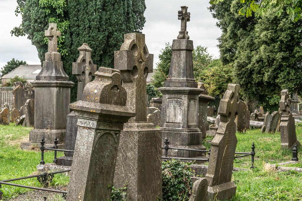 OLD CHURCHYARD KNOWN AS ST. JOHN'S [DUBLIN ROAD KILKENNY]-142930