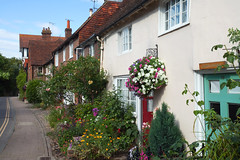 Steyning West Sussex (Adam Swaine) Tags: westsussex sussexvillage sussex rural ruralvillages cottage cottages cottagerow villagecottage englishcottage counties countryside country uk ukvillages village villages england englishvillages britain british canon summer steyning