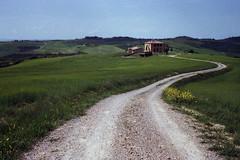 (Federico Raviele) Tags: tuscany countryside val dorcia toscana 35mm 35 film photography analog kodak