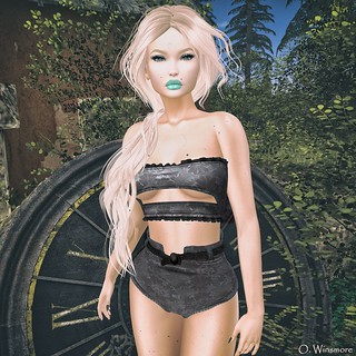 WinTeRwooD Designs & anny's Fashion @ The Point Event - August 2018