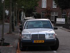 1989 Mercedes-Benz 200 TE (S124) (rvandermaar) Tags: 1989 mercedesbenz 200 te s124 w124 mercedesbenzte mercedesbenzw124 mercedesbenzs124 mercedesbenz200te mercedes200te mercedes mercedesw124 mercedess124 mercedeste sidecode4 yb87zv