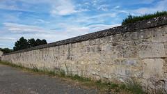 Mur extérieur du cimetière