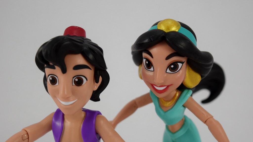 Magic Carpet Ride Aladdin And Jasmine Figurine Carpet