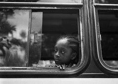 Bus breaks down (RoryO'Bryen) Tags: copyrightroryobryen roryobryen colombia colombie analog analogue kodaktrix film chocó pacíficocolombiano pacific iso400 selfdeveloped