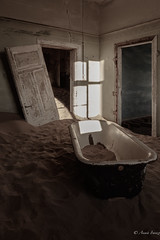 Once upon a time... (Ana Isabel Iranzo) Tags: abandoned town house bathtube desert kolmanskopf namibia canon anais iranzo