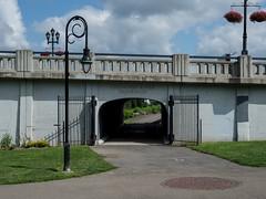 P7290092 (Copy) (pandjt) Tags: binghamtonny binghamton ny travelogue memorialbridge riversidedrivebridge concretebridge chenangoriver historicbridge chenangoriverpromenade confluencepark
