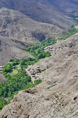 Berber villages in High Atlas Mountains (s_evil) Tags: morocco maroc scenery landscape landscapes travelgram travelling exploring atlas mountains kasbah ksar berber artistic mud palmtrees architecture