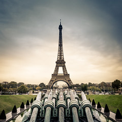 Eiffel Tower (Zeeyolq Photography) Tags: eiffeltower