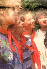 Thälmannpioniere,DDR Pioniere,Jungpioniere,Freie-Deutsche-Jugend,DDR Kinder (SchlangenTiger) Tags: thälmannpioniere jungpioniere jungepioniere pioniere freiedeutschejugend fdj gst jugend kinder schule schüler gdr ddr