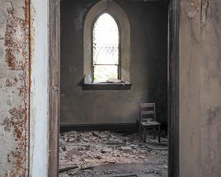 •Abandoned Church (2015) ⛪️