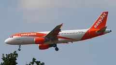 IMG_6771 G-EZWA (biggles7474) Tags: egkk lgw london gatwick airport gezwa airbus a320 a320214 easyjet