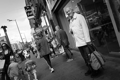 It is suspicious (pepsamu) Tags: monochrome street people calle streetphotography 60d canonistas canon 37gym suspicious sospechoso man hombre