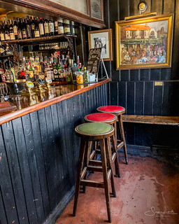 20180801 smallest bar in the world