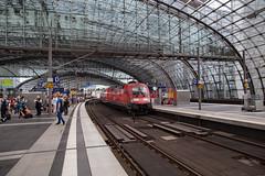 DB 182 014 Berlin Hauptbahnhof (daveymills37886) Tags: db 182 014 berlin hauptbahnhof baureihe siemens es64u2