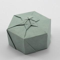 Lucky Star Box (Michał Kosmulski) Tags: origami box star hexagonal hexagram michałkosmulski goldenriverleatherpaper grey gray