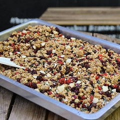 Did you know that we make the granola for our porridge and yoghurt in house? 🤔😁 a toasted blend of GF oats, Turkish sultanas, coconut, goji berries, cranberries, pumpkin seeds and Brazil nuts ☺️ this batch is fresh out 👌 (bombompatisserie) Tags: loughborough cake cafe bom patisserie