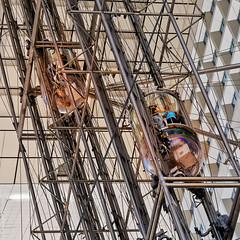 Aller-Retour (L'Abominable Homme de Rires) Tags: architecture ladéfense paris iledefrance arche canon5d 5dmkiii sigma 24105mmf4 dxo elevator photolab lightroom