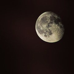 BIG moon !  Follow me on Instagram @laborievalentin (valentinlaborie8) Tags: moon canon canon1300d m42lens m42 night picture mood