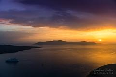 A9901804_s (AndiP66) Tags: sunset sonnenuntergang sun sonne fira santorini santorin thira thera greece griechenland cyclades kykladen caldera aussicht view juni june 2018 hellas ellada sony alpha sonyalpha 99markii 99ii 99m2 a99ii ilca99m2 slta99ii sigma sigma24105mmf4dghsmart sigma24105mm 24105mm art amount andreaspeters