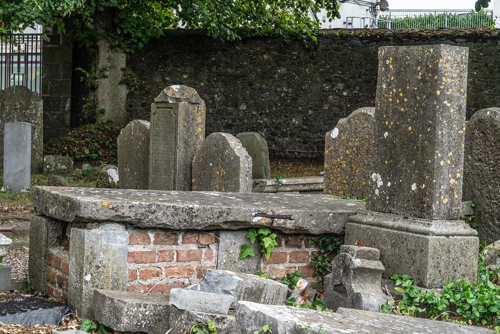 OLD CHURCHYARD KNOWN AS ST. JOHN'S [DUBLIN ROAD KILKENNY]-142915