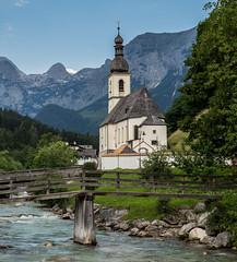 Sankt Sebastian (Lumen Candela) Tags: germany bavaria stsebastian church kirche fluss river ramsauerache ramsau reiteralm berge alpen alps mountains holzbrücke woodenbridge