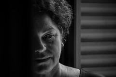 Foto-Arô Ribeiro-8760 (Arô Ribeiro) Tags: pho blackwhitephotos photography laphotographie pb pretoebranco bnw blackandwhiteportrait blackandwhite arte fineart giselamillas teatro theatre brazil arôribeirofotógrafo nikond7000 nikond40x thebestofnikon nikon portrait retrato