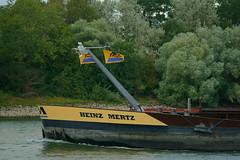 MS HEINZ MERTZ (Lutz Blohm) Tags: msheinzmertz schüttgutfrachter mannheim rhein rheinschifffahrt binnenschifffahrt binnenschiffe gütermotorschiff fluskilometer418 fe70300goss rheinzutal sonyalpha7aiii groskraftwerkmannheim