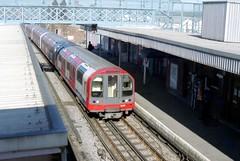 1992TS-Debden (citytransportinfo) Tags: 1992ts 1992tubestock train railway centralline london underground debden station platform