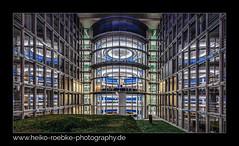 Berlin Paul-Löbe-Haus (H. Roebke) Tags: 2018 canon1635mmf28lisiii de canon5dmkiv nightshot regierungsviertel blendenstern le langzeitbelichtung colour berlin farbe longexposure architecture architektur nachtaufnahme lzb lightroom paullöbehaus greatphotographers